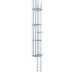 Однопролетная вертикальная лестница с защитной решеткой